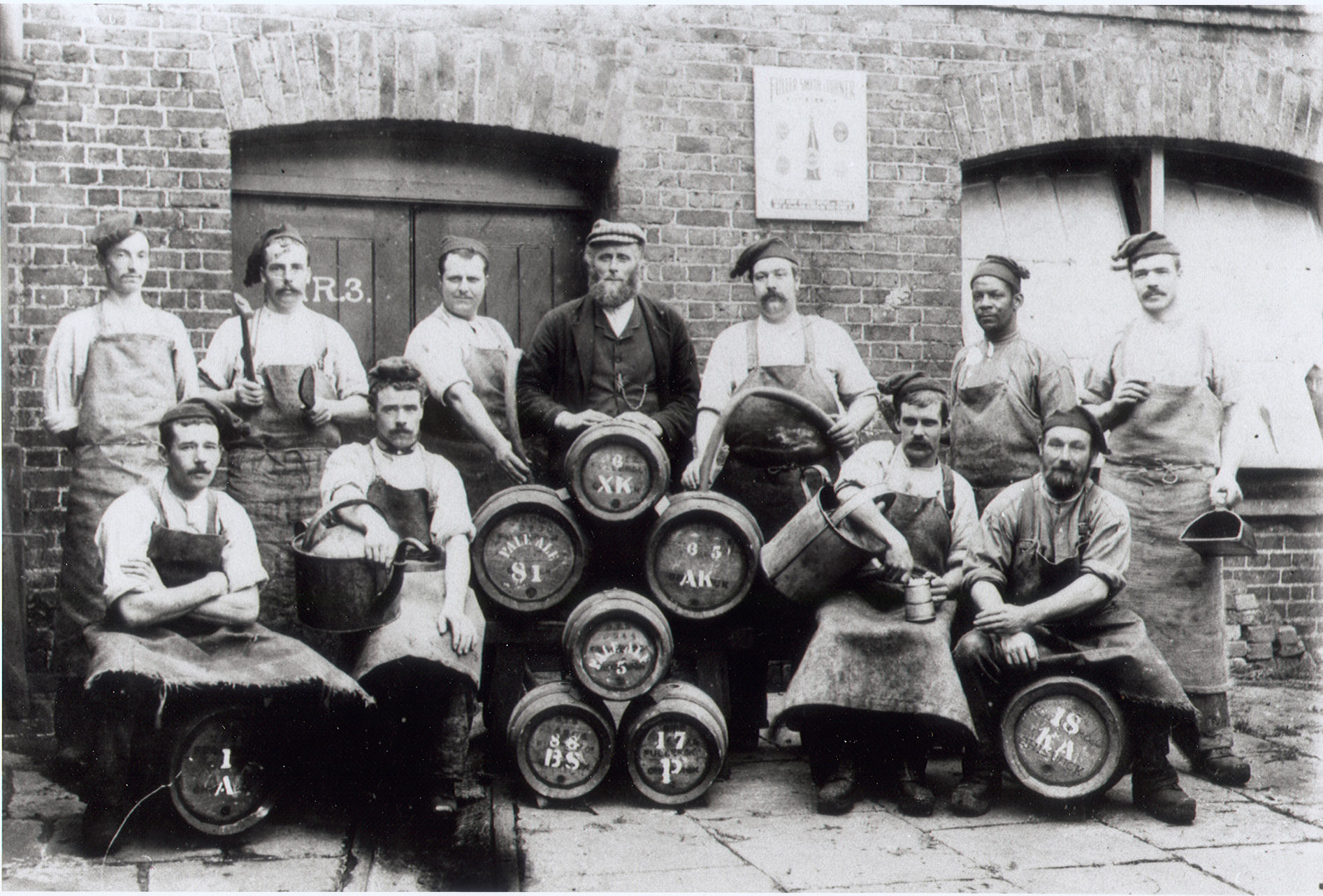 http://williamhogarthtrust.org.uk/wp-content/uploads/2012/07/90.62.5-Fullers-brewery-workers.jpg